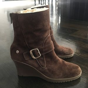 Women's Ugg Boot Wedges (Size 9)
